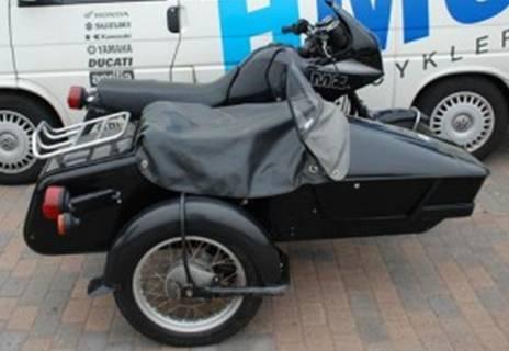 motorcykel med sidevogn og